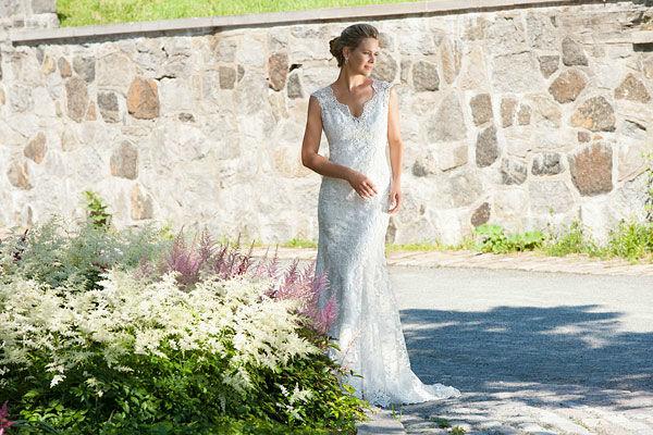 Beispiel: Brautmode (Eddy K.), Foto: RENA Braut- und Abendmoden.
