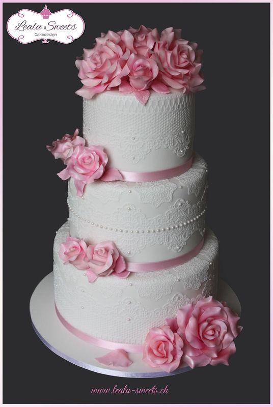 Beispiel: Hochzeitstorte, Foto: Lealu Sweets.