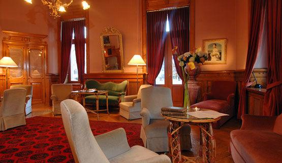 Beispiel: Foyer, Foto: Schweizerhof Flims.
