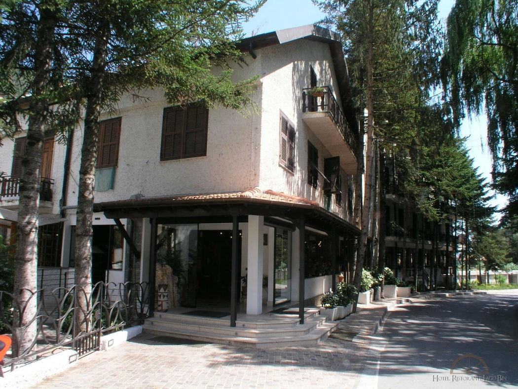 Hotel Lago Bin
