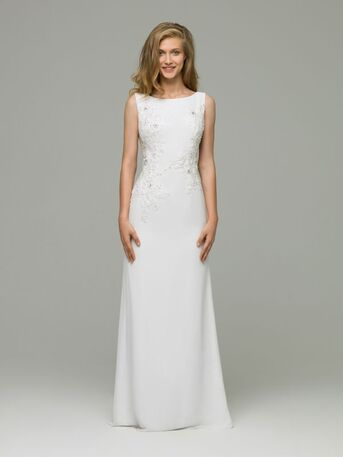 Свадебное платье прямого силуэта выполненное из шифона с расшитым верхом от Helen Miller