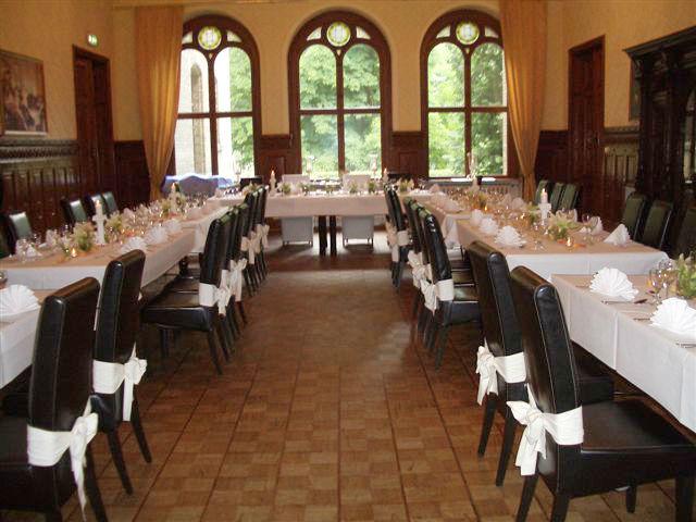 Beispiel: Verwöhnen Sie Ihre Gäste mit einem Festessen, Foto: Schloss Neetzow.