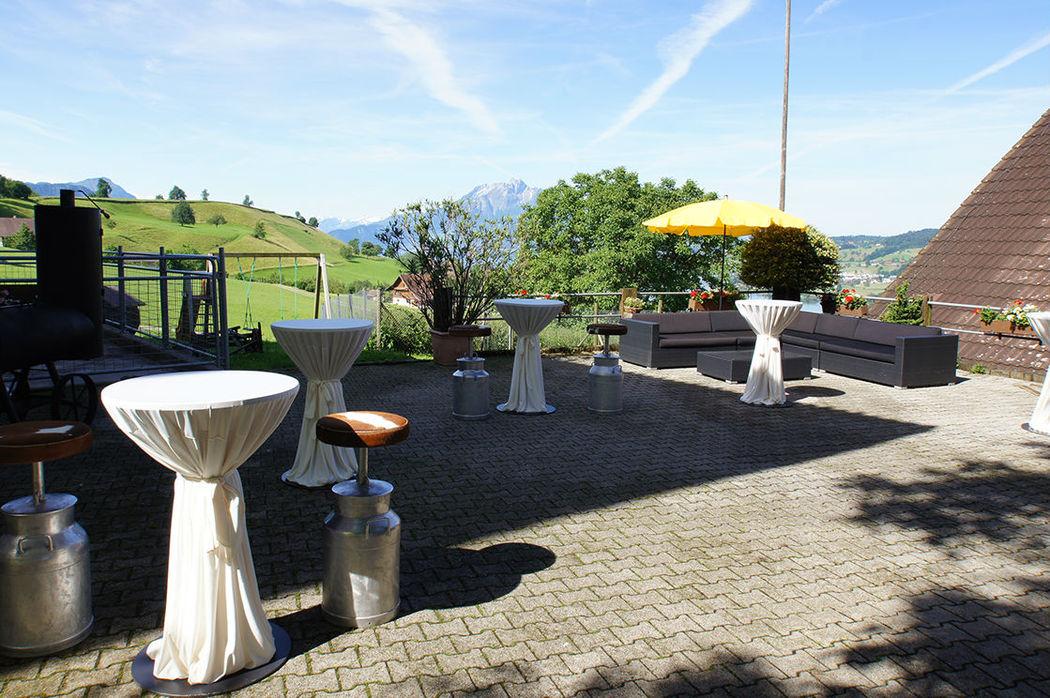 Beispiel: Aperoplatz, Foto: Hof-Landschi.