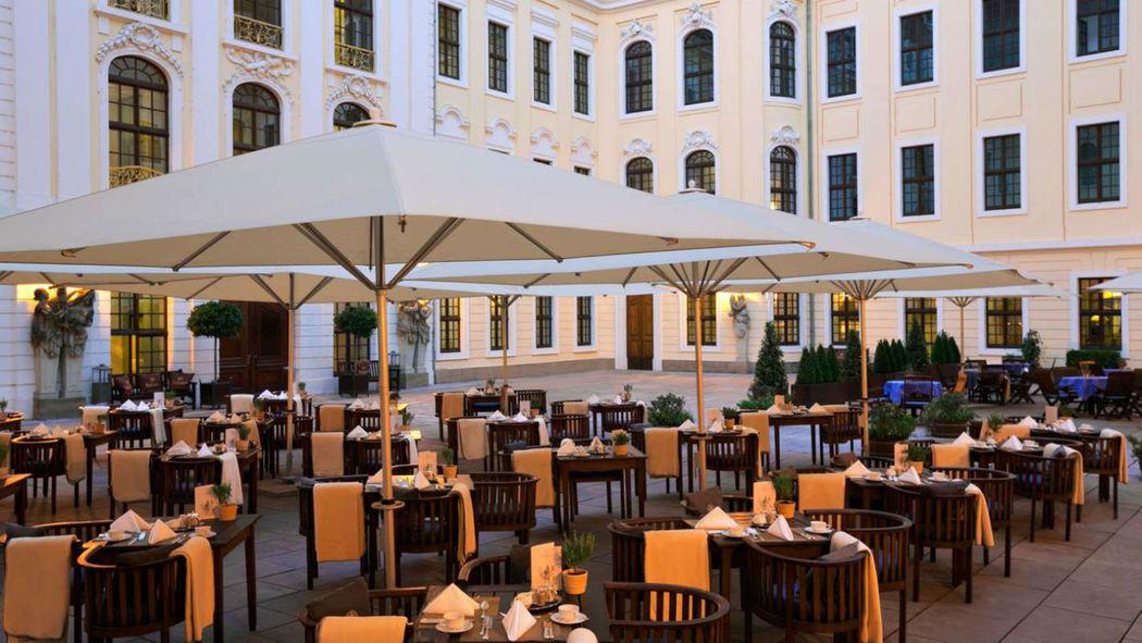 Beispiel: Innenhof, Foto: Hotel Taschenbergpalais Kempinski.