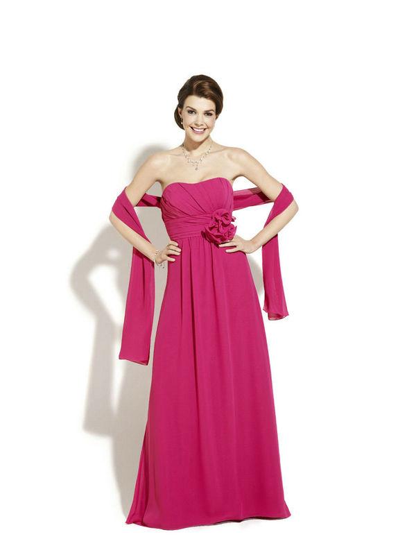 Beispiel: Kleider für Brautjungfern, Foto: Magy's Brautmode.