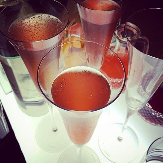 Rossini - Champanhe com néctar de morango.