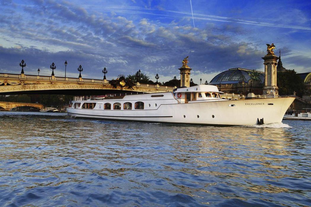 Bateau Excellence, Yachts de Paris