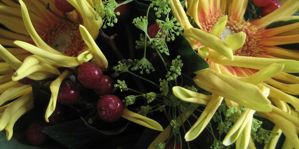 Beispiel: Brautstrauß mit gelben Blumen, Foto: Blumen Hetzer.