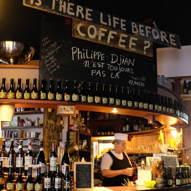 Tina's Café
