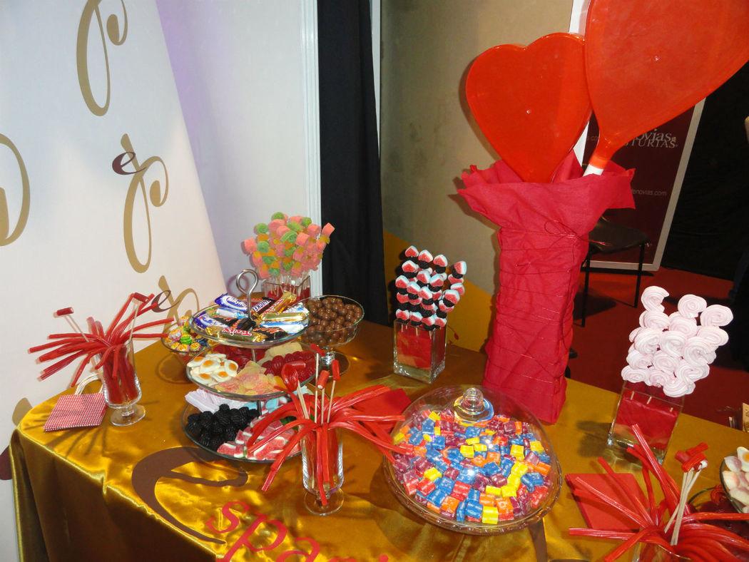 Espacio Piruleta (estupenda mesa completa de golosinas,  y chocolates.