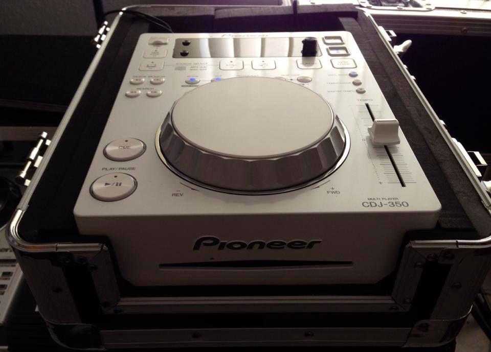 Beispiel: Ton- und Lichttechnik, Foto: Partyradio DJ Thomas Ebner.