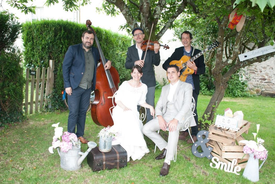 trio de Jazz Manouche avec SWINGSTAR www.swingstar.fr