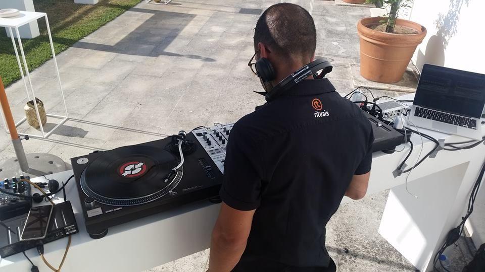 Dj da Rituais com Vinil | Rituais DJ with Vinyl