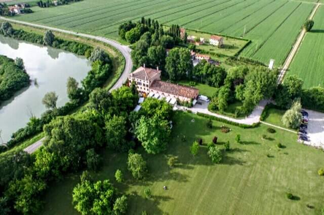 Villa Correr Agazzi con Barchessa