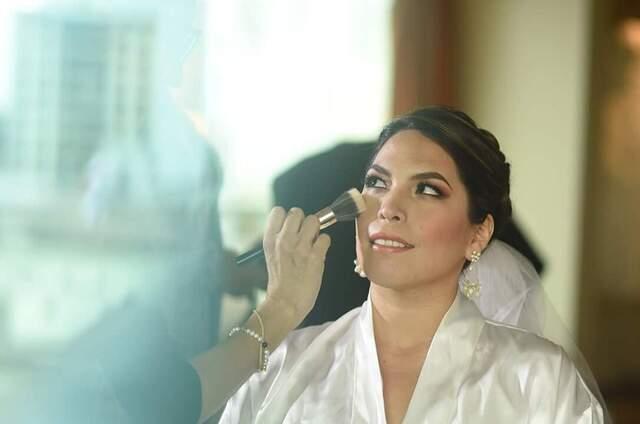 Claudia Vega - Make Up & Hair