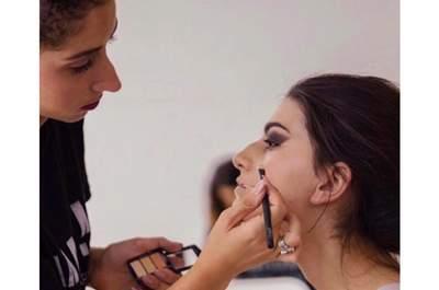 Aurélie Amorim-Makeup Artist