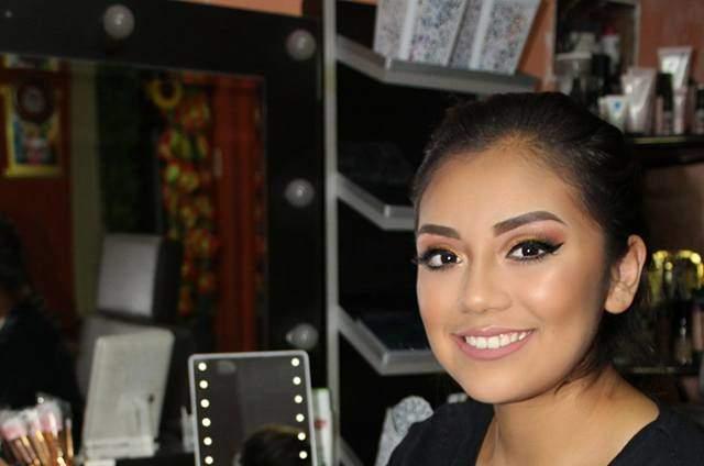 Alessandra Mendoza- Make Up Artist
