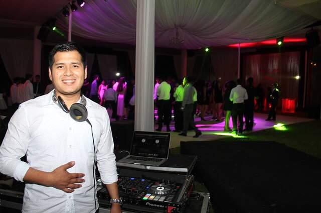 DJ HIT