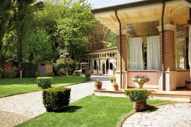 Il Giardino Dei Tigli Villa Bianco