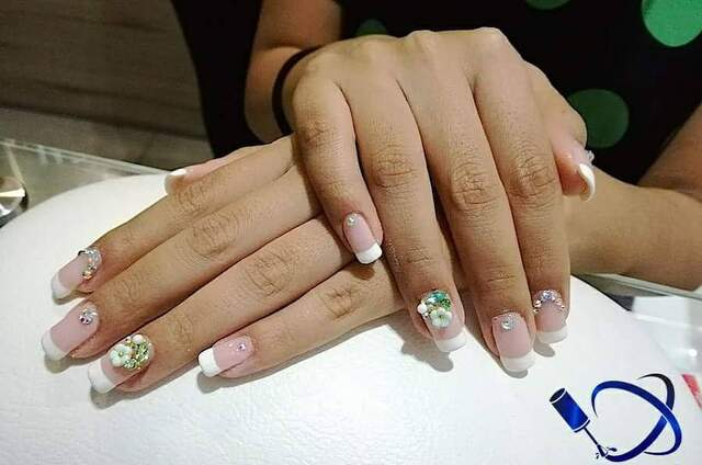 Nails Lab