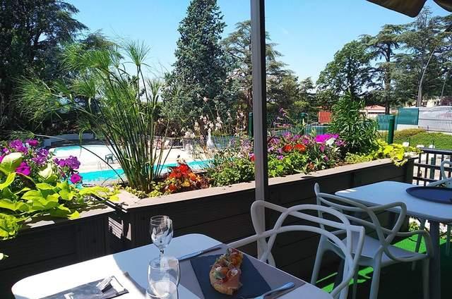 Casino Saint Galmier - Terrasse du Lion Blanc